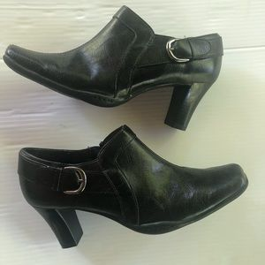 Aerosoles A2 Black Ankle Boots with Buckle, 8.5